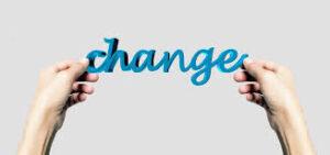 változás